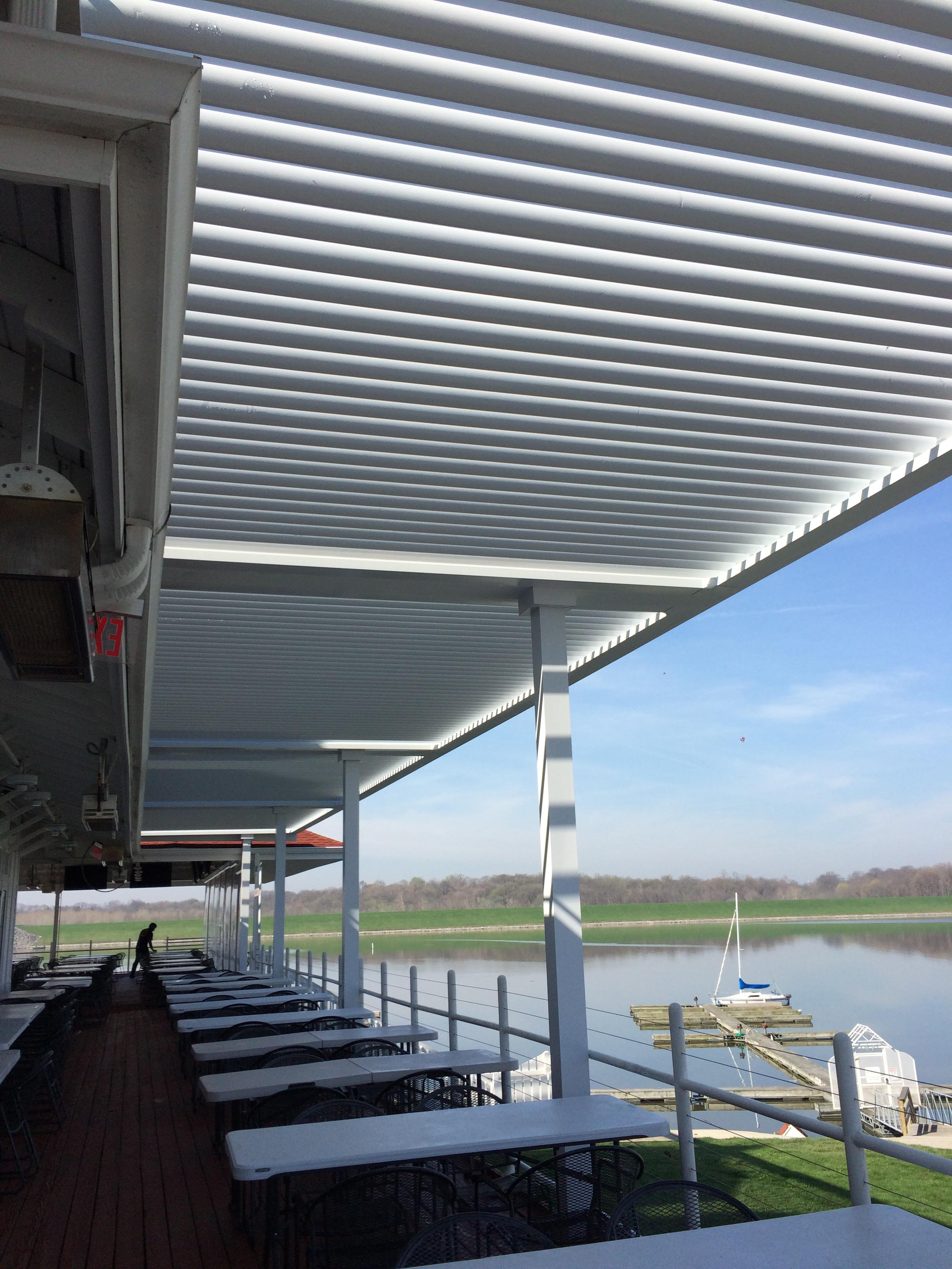 Indianapolis, IN - Rick's Cafe Boatyard - Deck cover - Roof mount