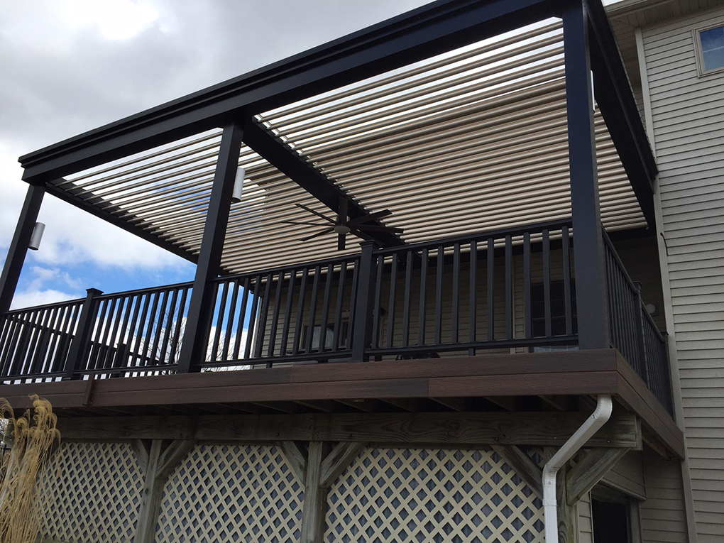 Mishawaka, IN - Deck cover - Attached